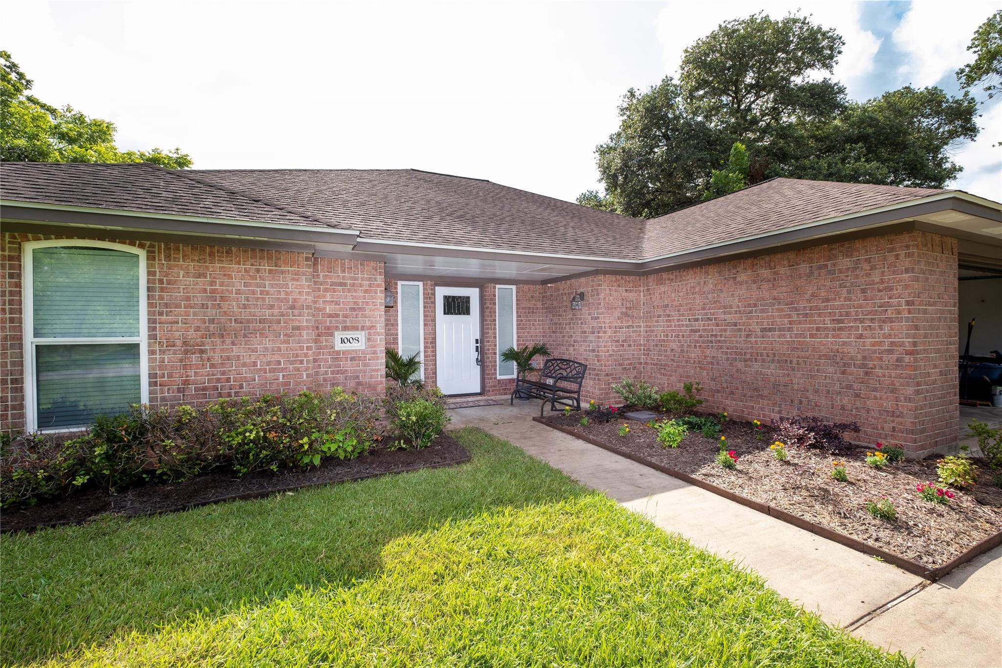 1008 Masonic Oak Drive Property Photo