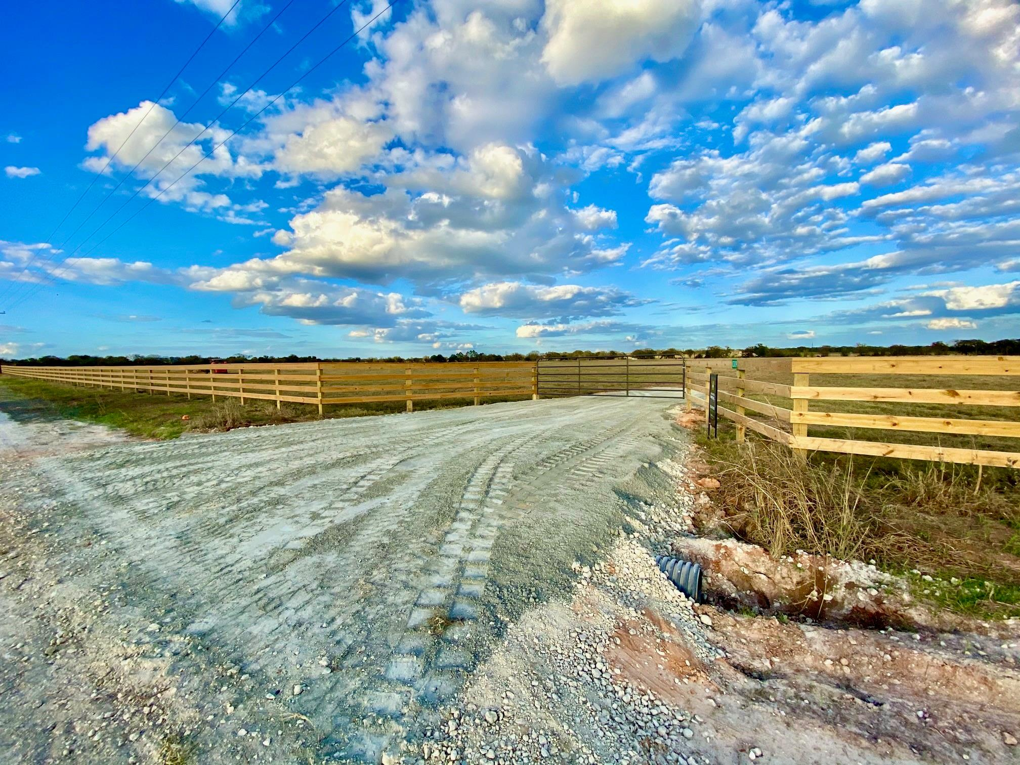 8309 South Hickory Loop Property Photo - Calvert, TX real estate listing