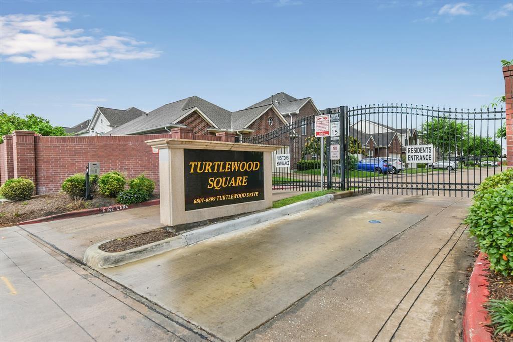 6895 Turtlewood Drive Property Photo
