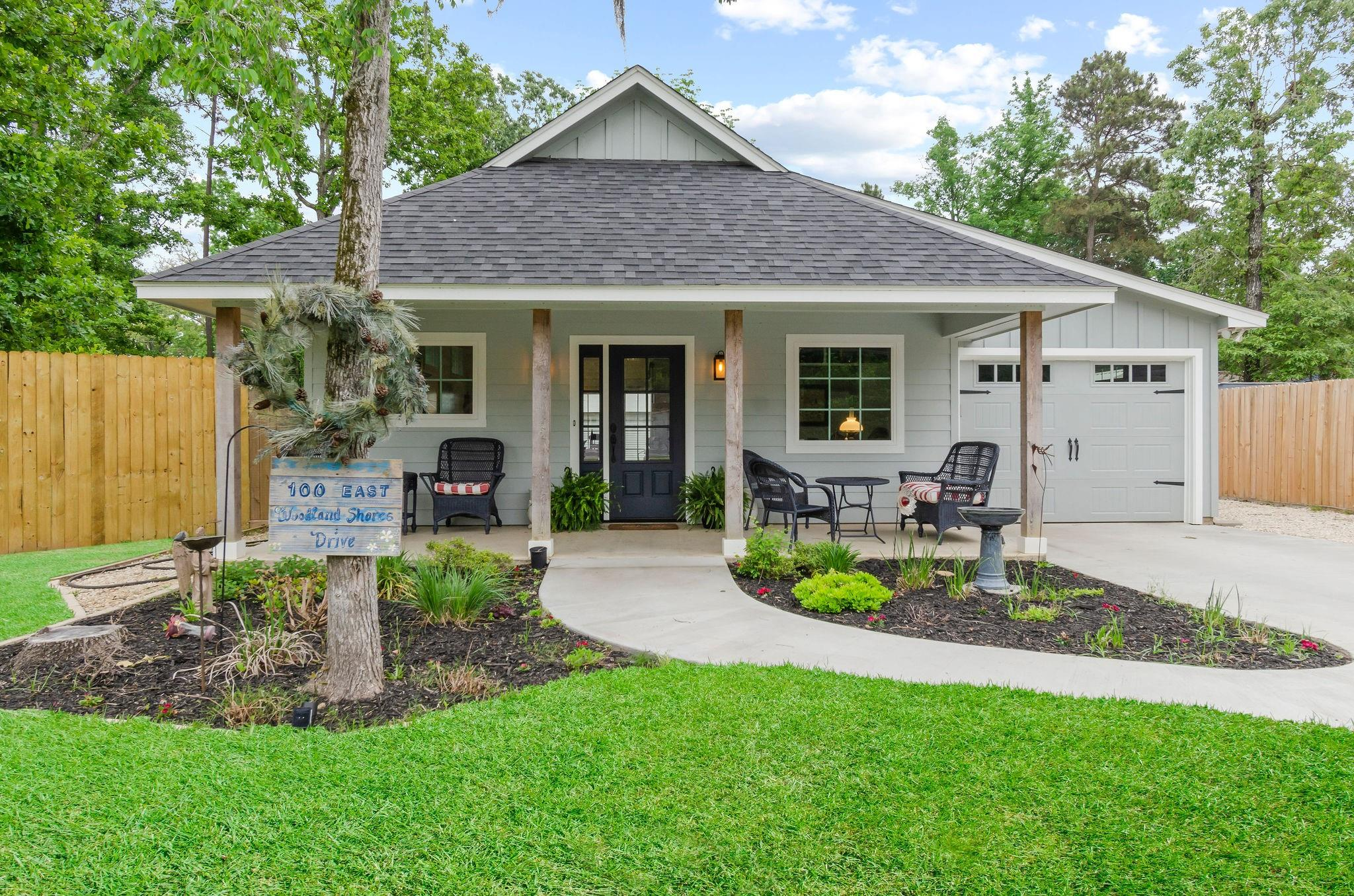 100 E Woodland Shores Drive Property Photo