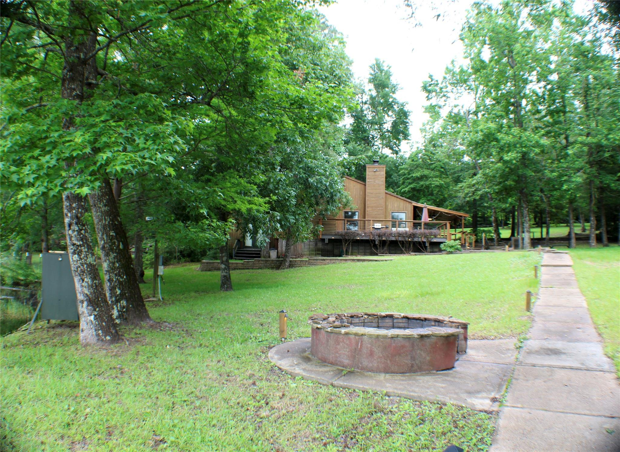 745 County Road 3170 Property Photo