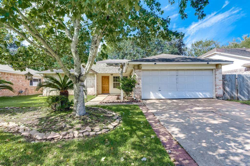 20070 Crazy Horse Circle Drive, Katy, TX 77449 - Katy, TX real estate listing