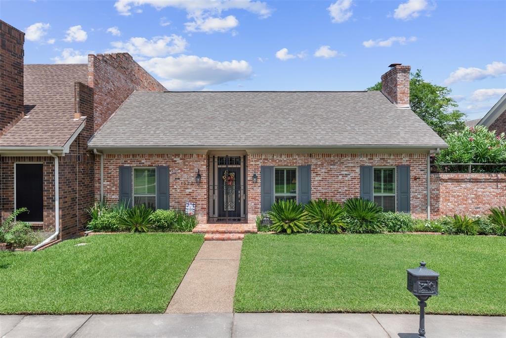 1322 Lyndhurst Drive Property Photo - Bryan, TX real estate listing