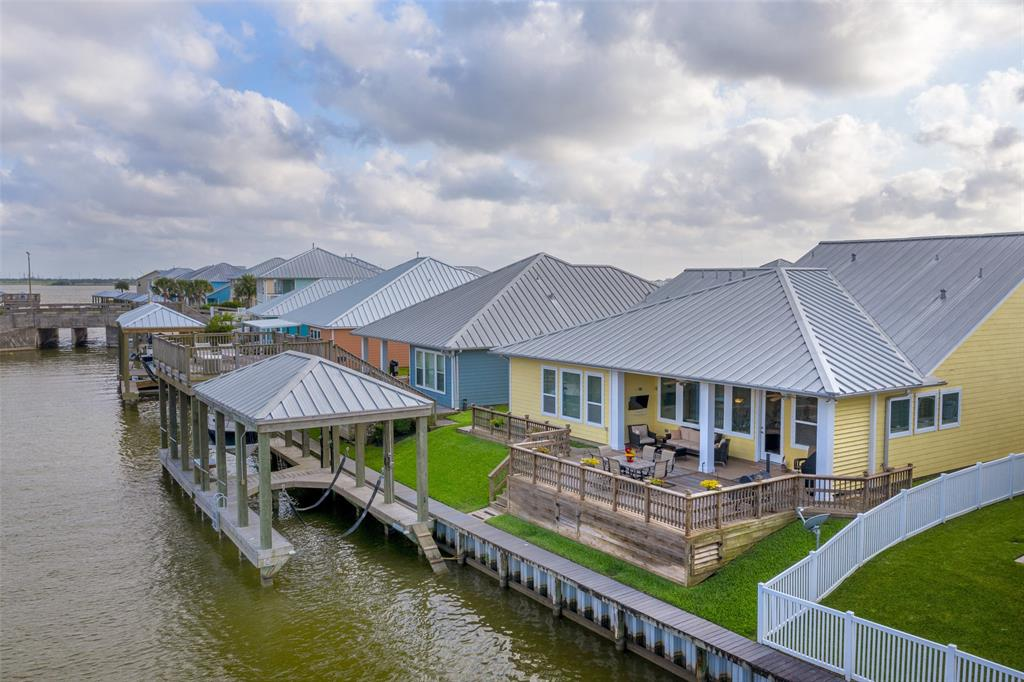 5117 Allen Cay Drive Property Photo - Texas City, TX real estate listing