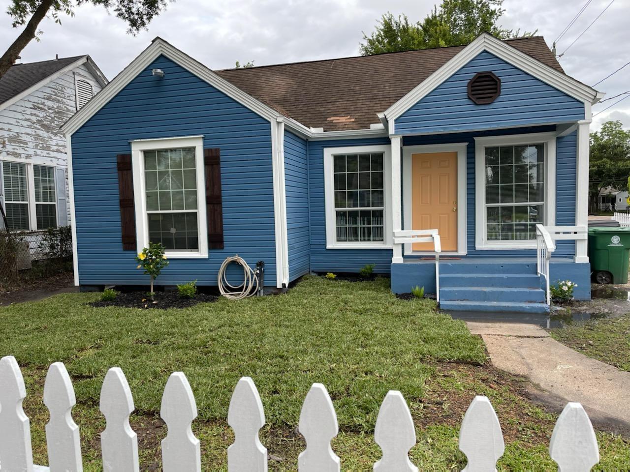 7002 Ilex Street Property Photo