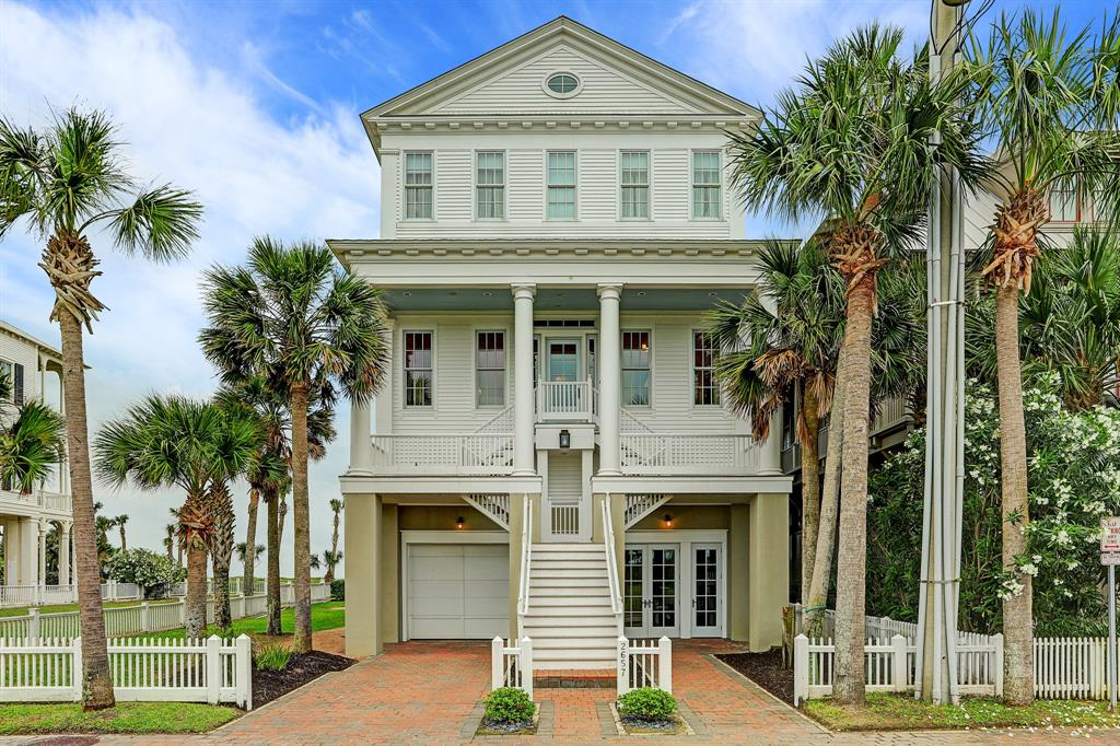 2657 Seaside Drive, Galveston, TX 77550 - Galveston, TX real estate listing
