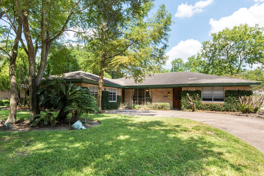 10915 Atwell Drive Property Photo - Houston, TX real estate listing