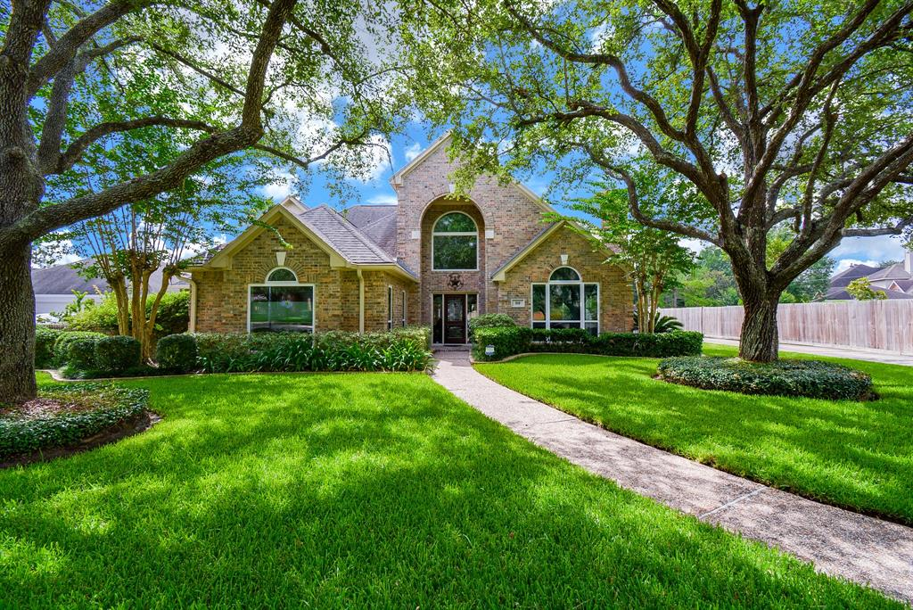 919 Old Valley Way Property Photo - Houston, TX real estate listing