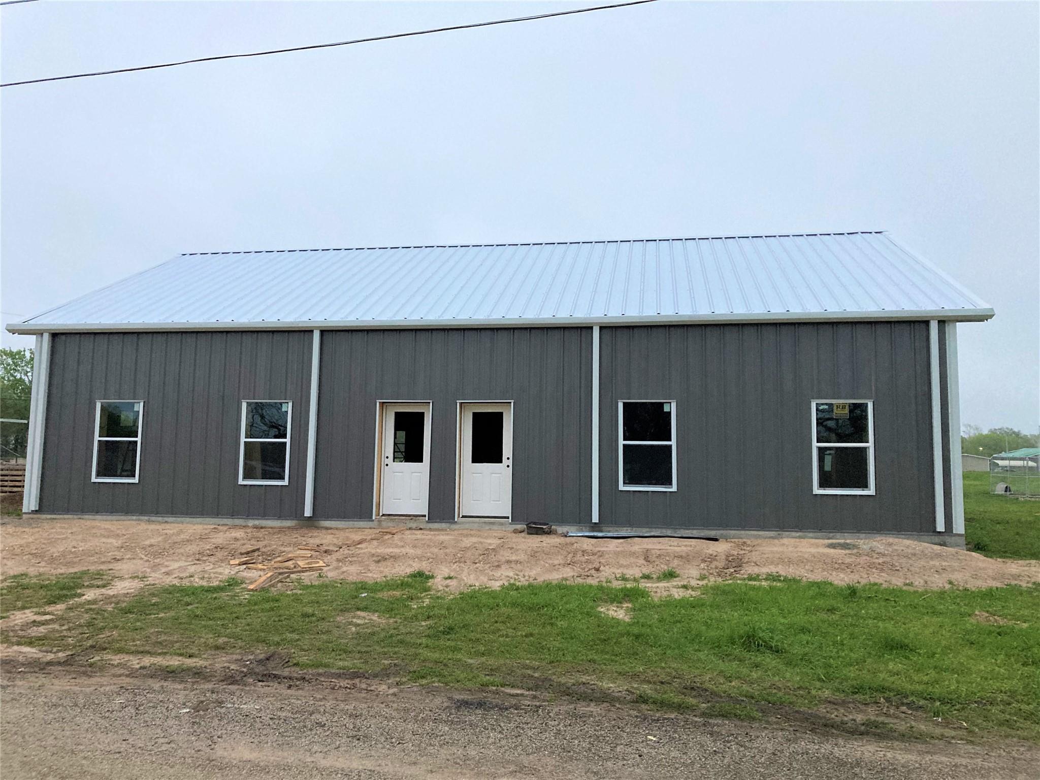 360-380 N College Street Property Photo 1