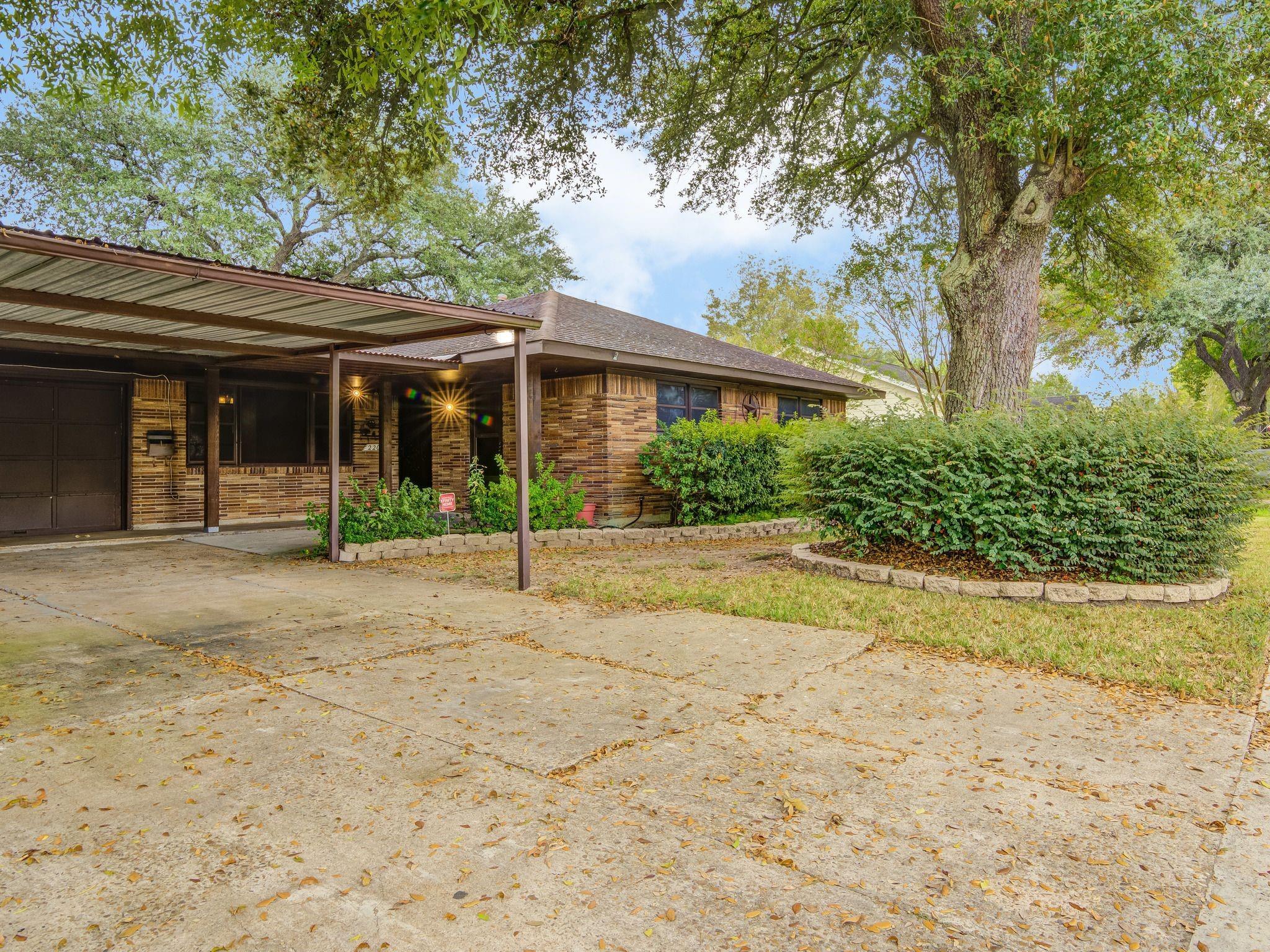 2207 Harper Drive Property Photo - Pasadena, TX real estate listing