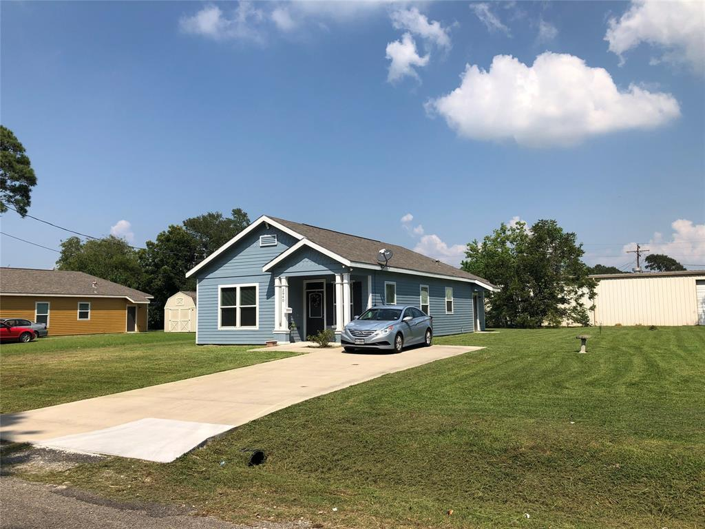 2940 Pearl Avenue Property Photo - Groves, TX real estate listing