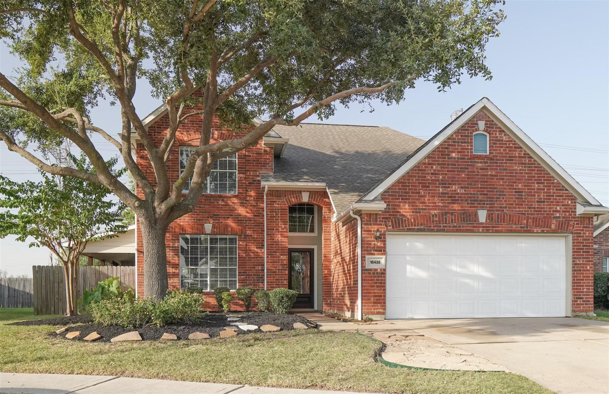 16438 Gaslamp Drive Property Photo - Houston, TX real estate listing