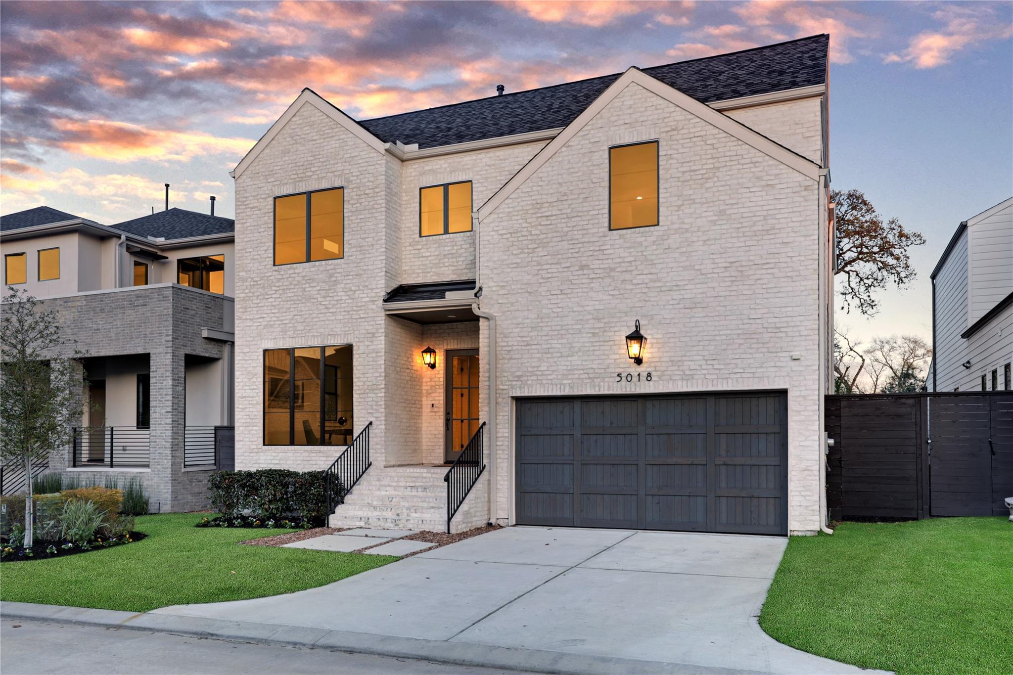 5018 Bayou Ridge Drive Property Photo - Houston, TX real estate listing