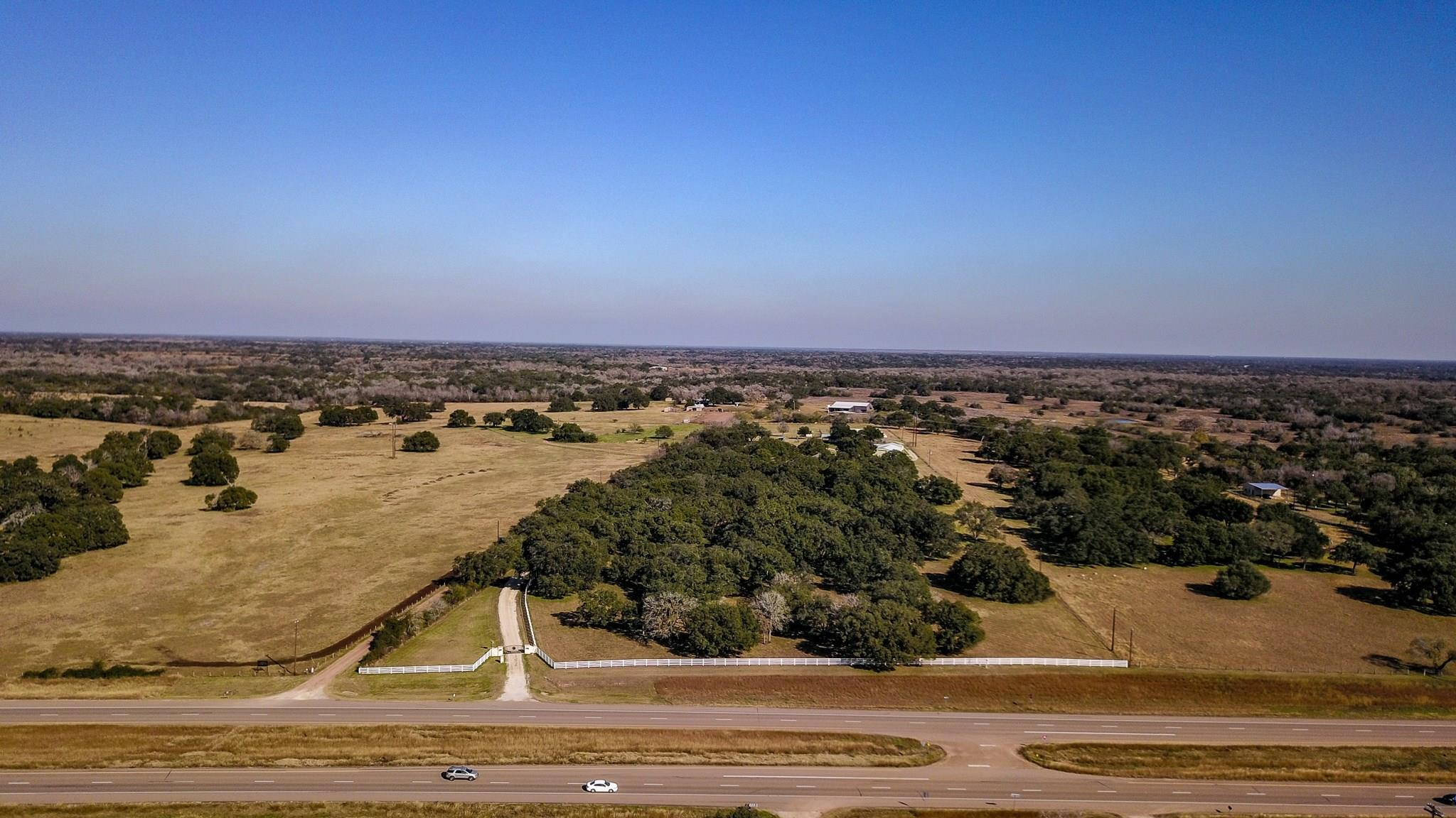 7209 US Highway 87 S Property Photo - Cuero, TX real estate listing
