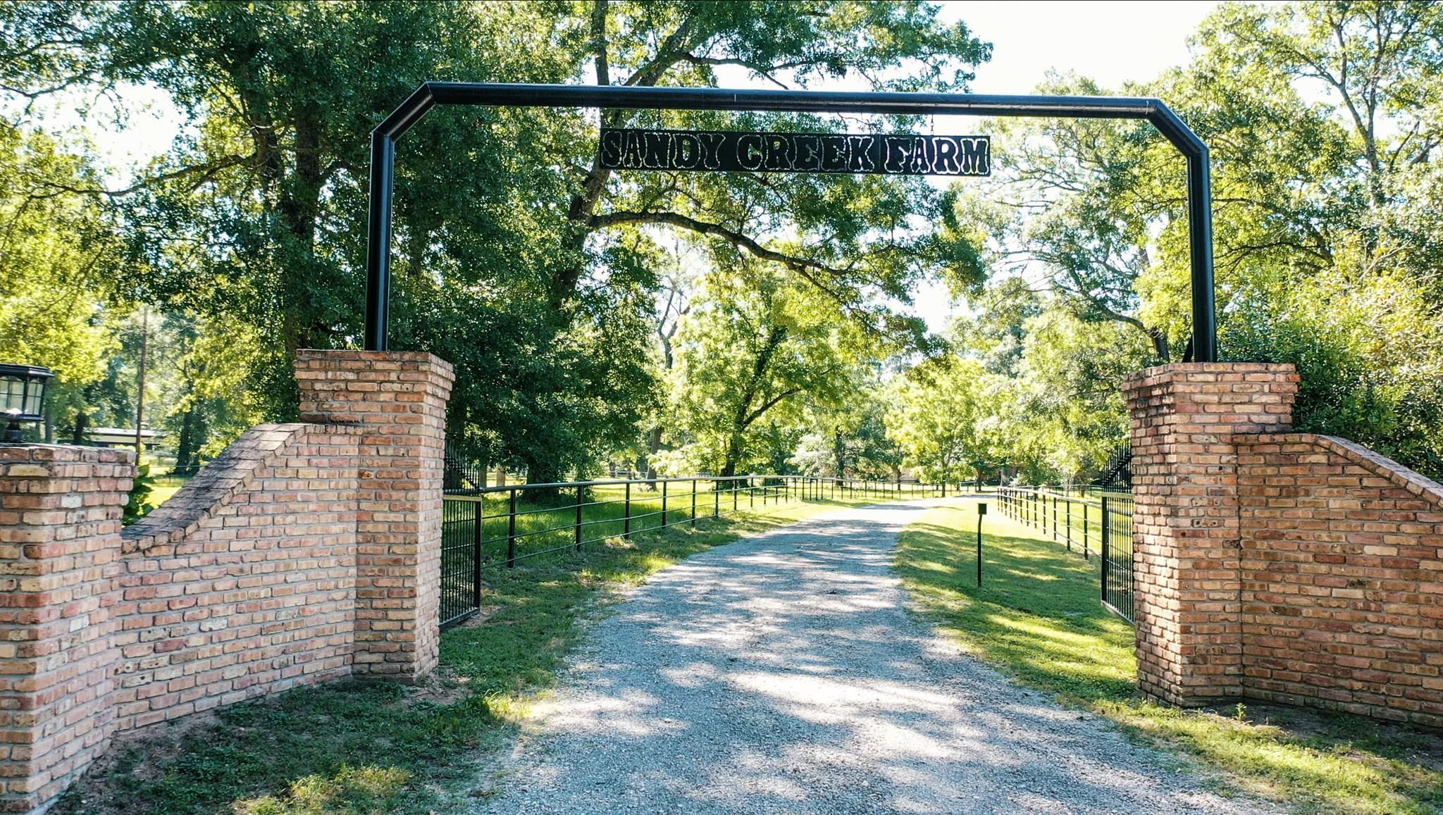 70 Sandy Creek Farm Road Property Photo - New Waverly, TX real estate listing