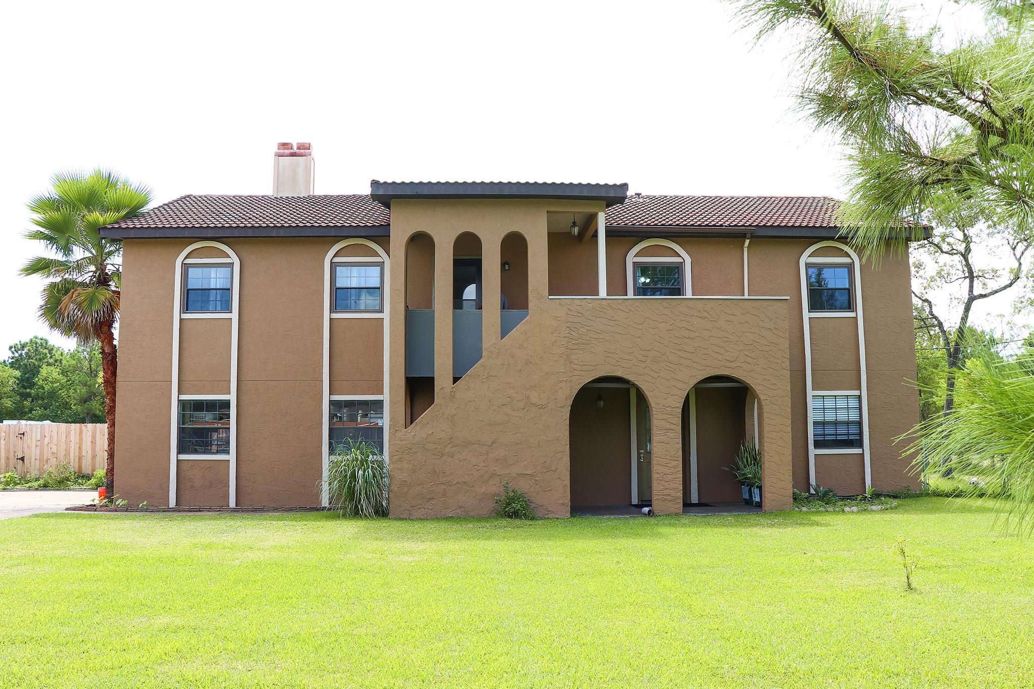 1213 Shore Acres Boulevard Property Photo - Shoreacres, TX real estate listing