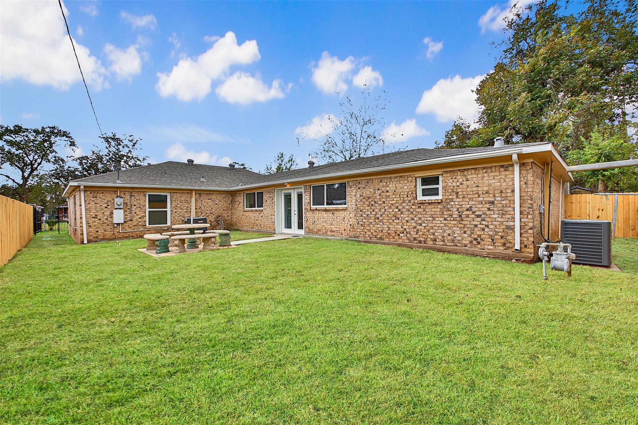 8535 Northton Street Property Photo - Houston, TX real estate listing