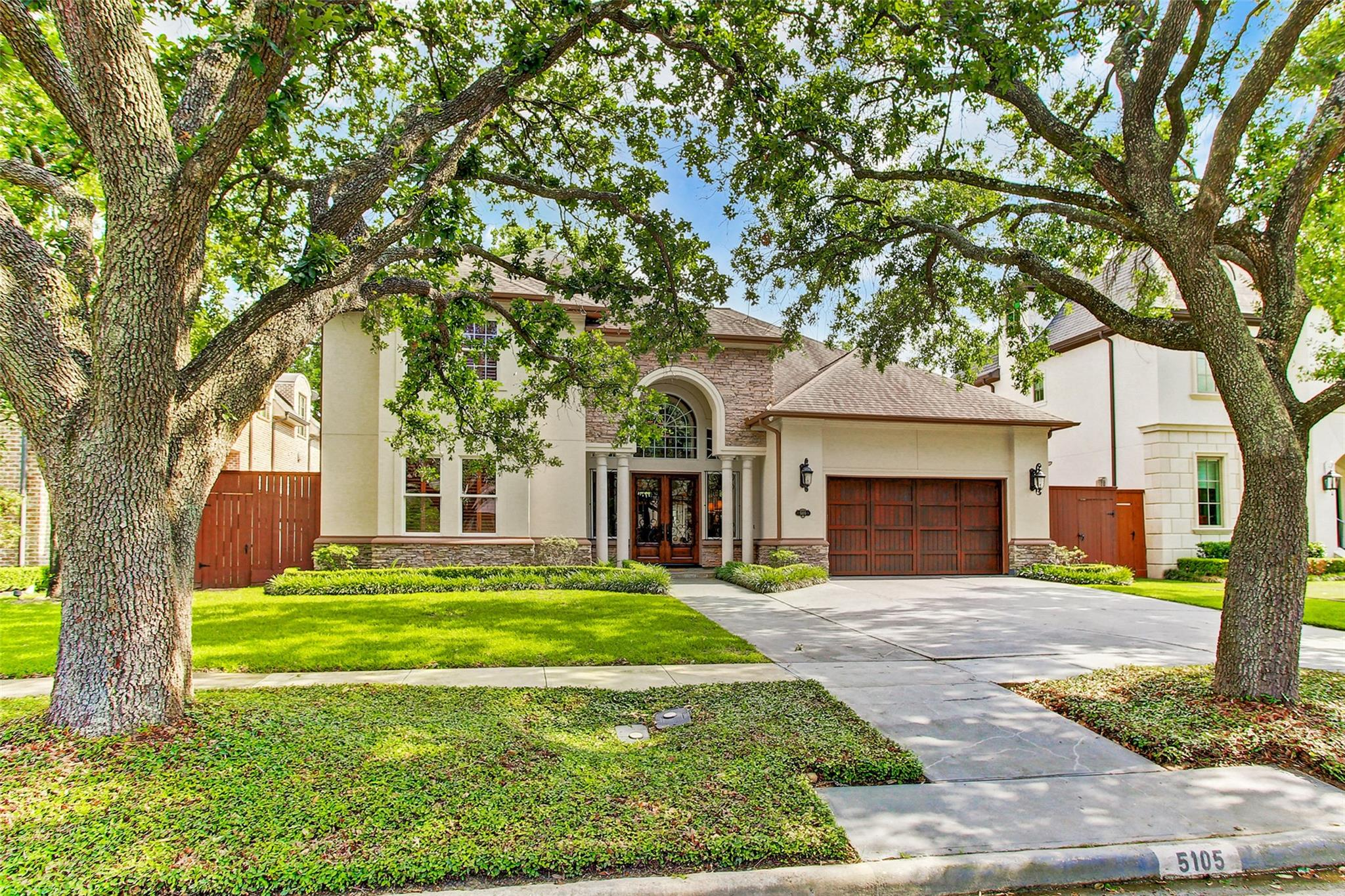 5105 Grand Lake Street Property Photo - Bellaire, TX real estate listing