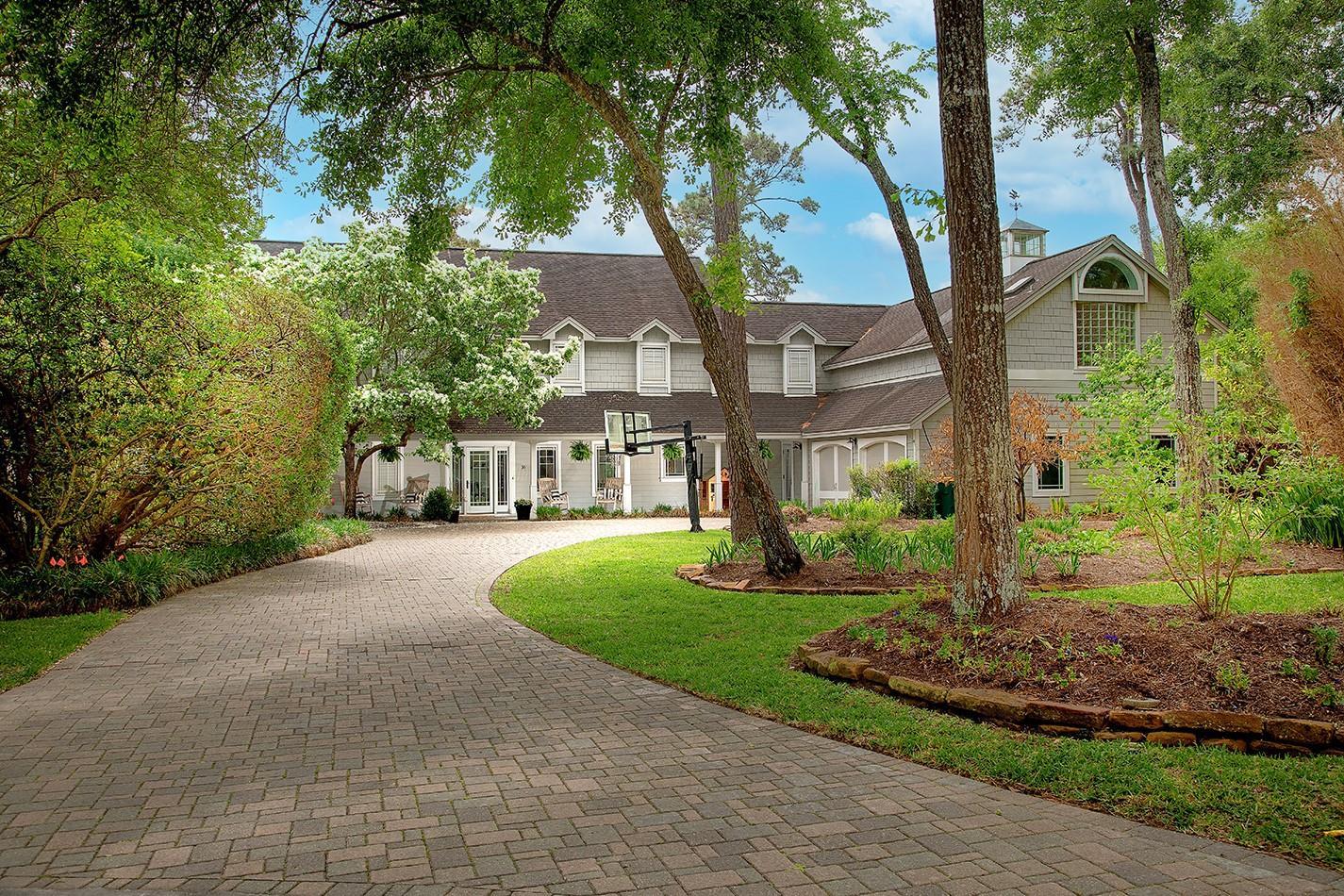 16 W Wedgewood Glen Property Photo