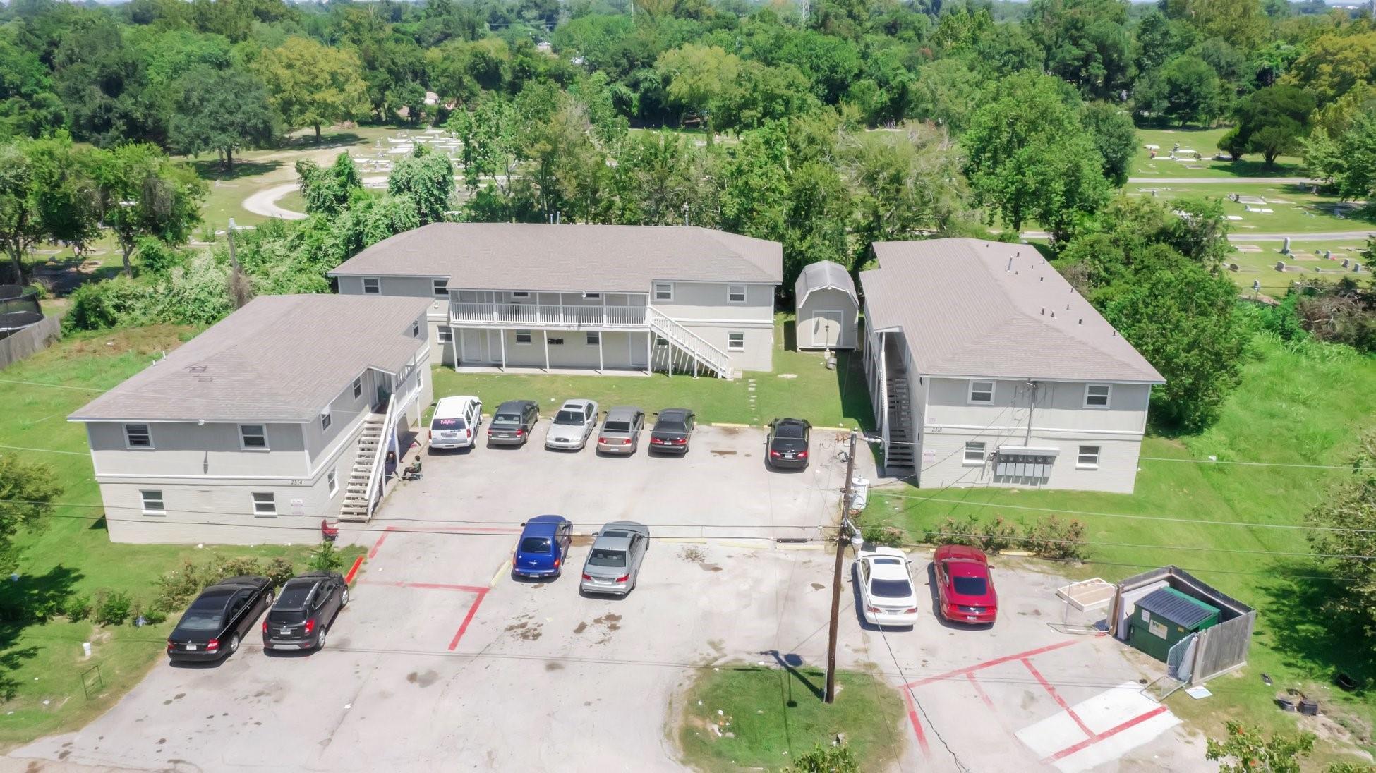 2318 Rosalee Street Property Photo - Galveston, TX real estate listing
