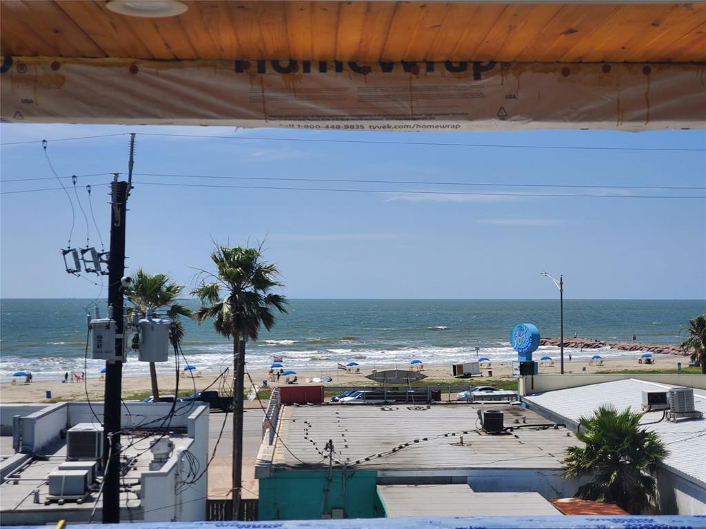 2809 Avenue R Property Photo - Galveston, TX real estate listing