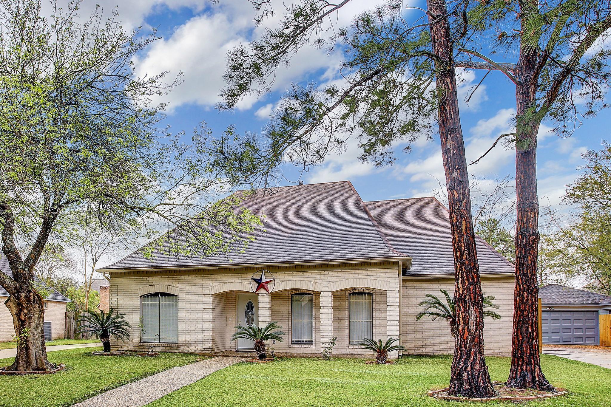 7218 San Ramon Drive Property Photo 1