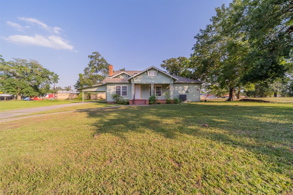 309 E Phillips Street Property Photo - Conroe, TX real estate listing