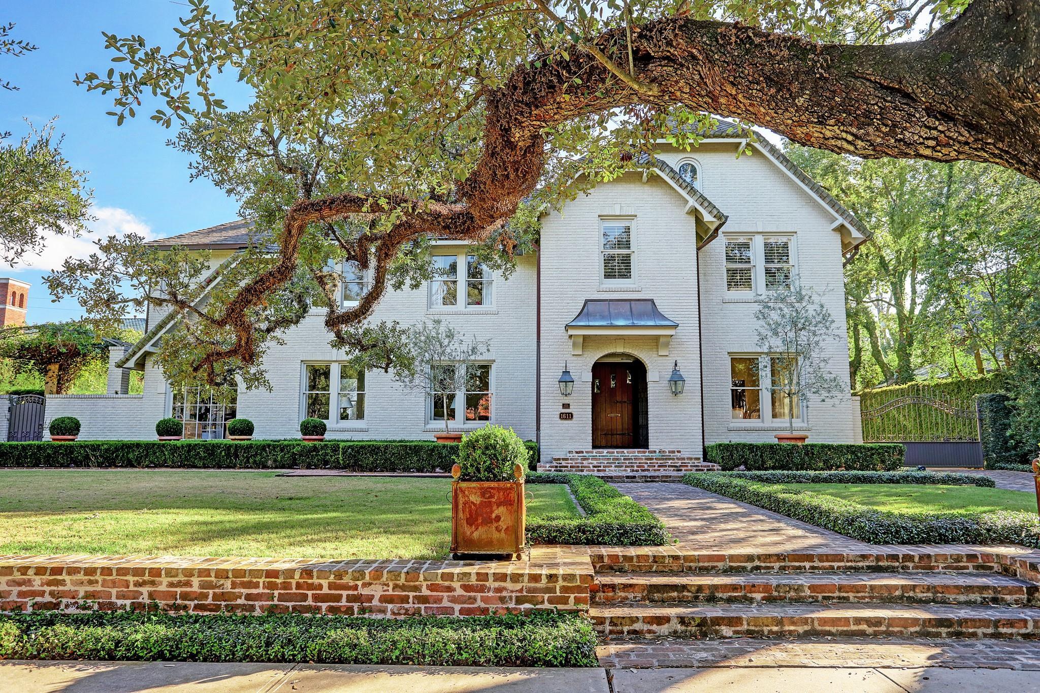 1611 South Boulevard Property Photo - Houston, TX real estate listing
