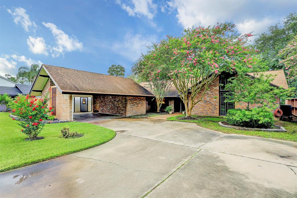 1215 Woodland Drive Property Photo - El Lago, TX real estate listing