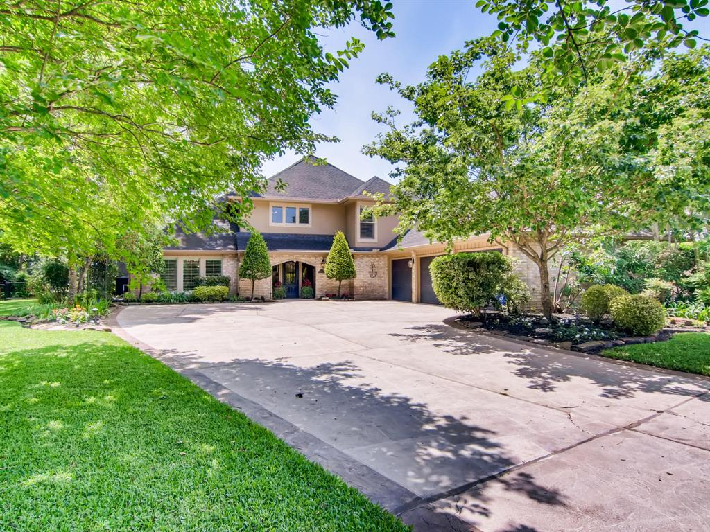 13107 Mission Valley Drive Property Photo - Houston, TX real estate listing