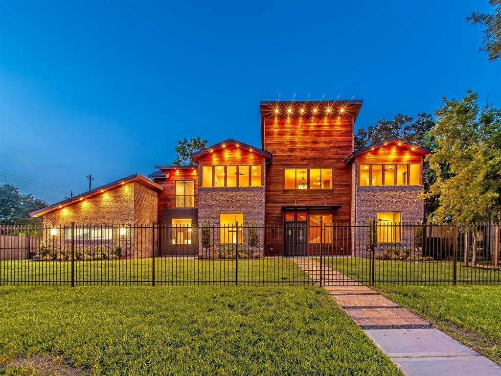 3803 South Macgregor Way Property Photo - Houston, TX real estate listing