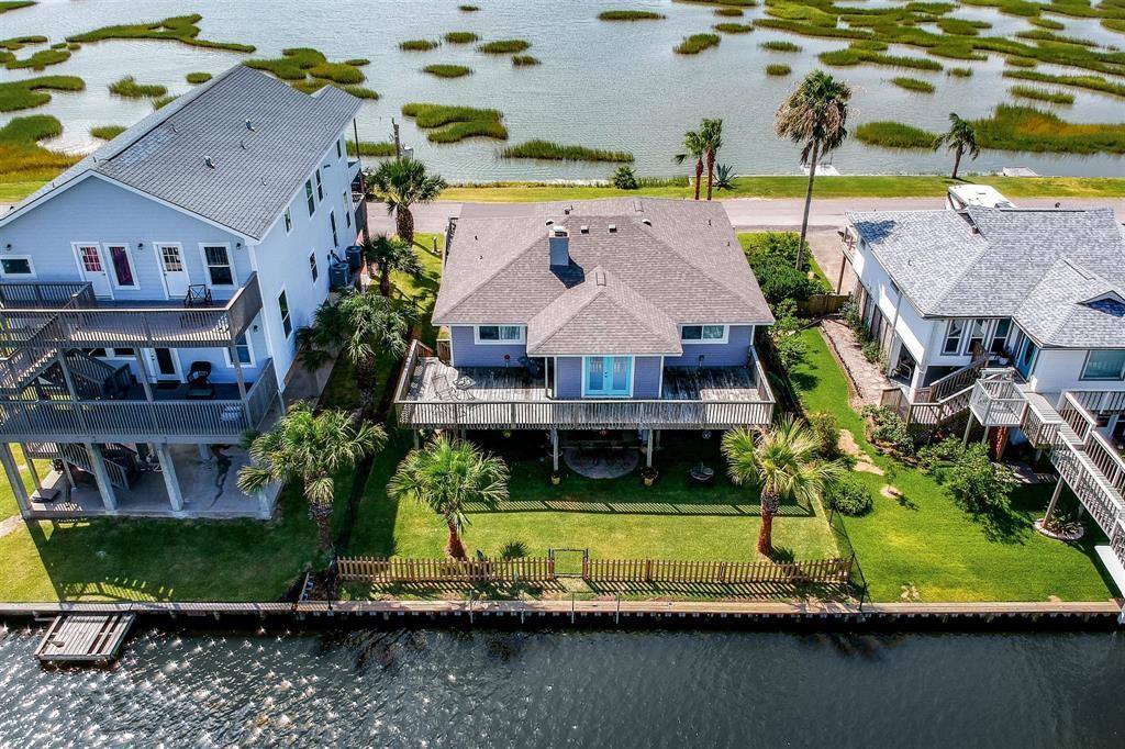 1262 Blue Heron Street Property Photo - Bayou Vista, TX real estate listing