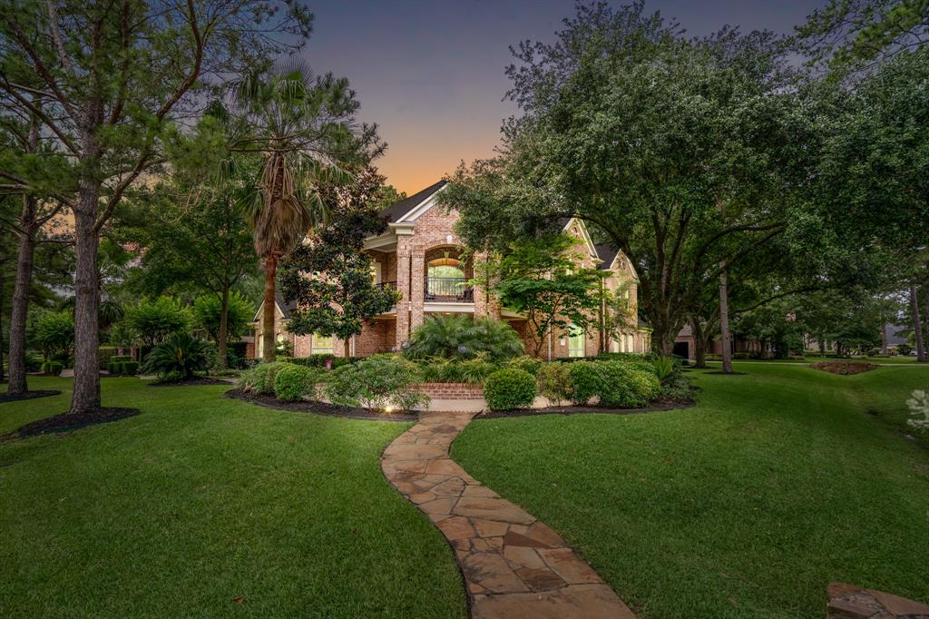 27 Gleannloch Estates Drive Property Photo - Spring, TX real estate listing