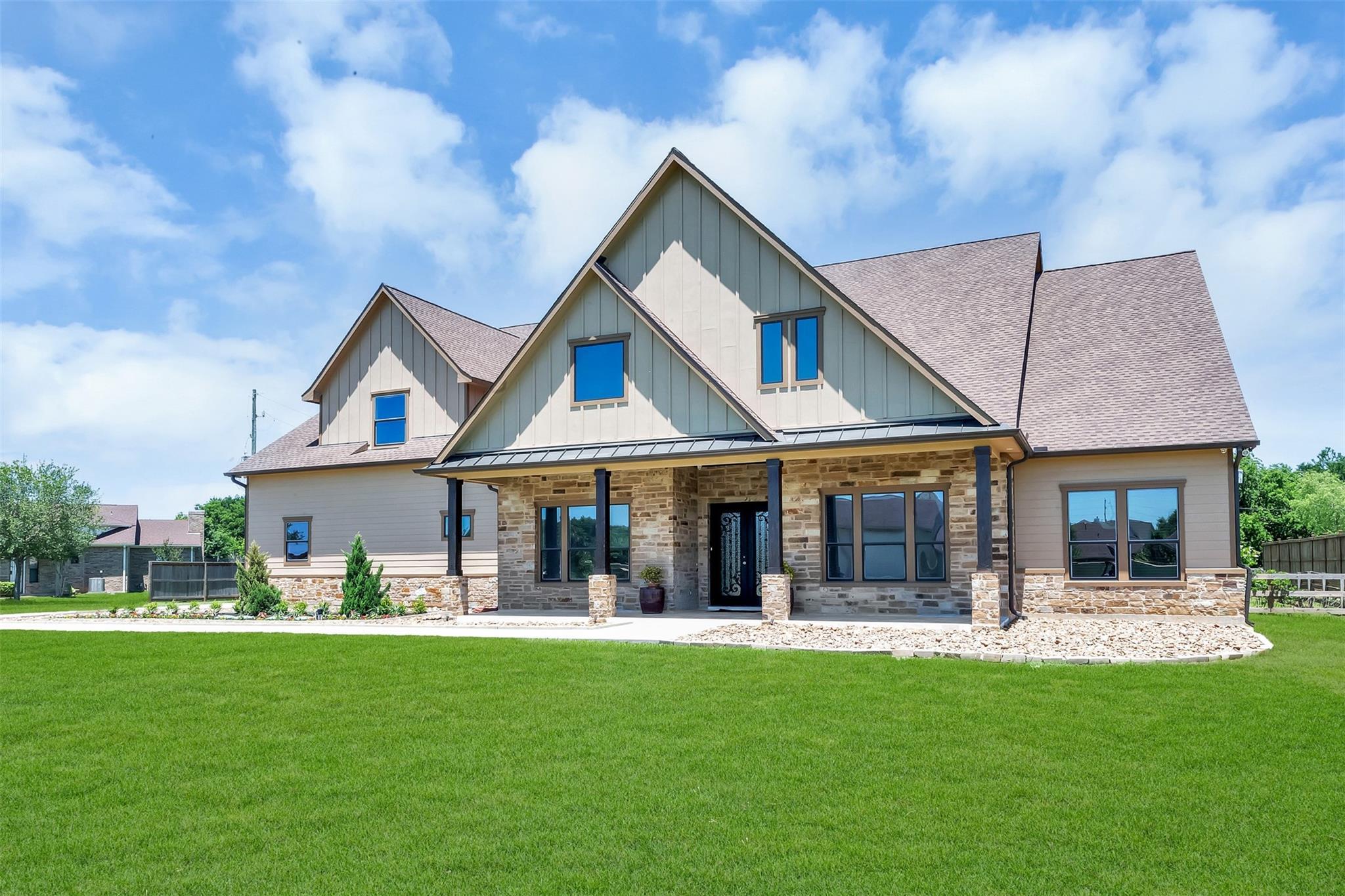5519 Grande Gables Drive Property Photo 1