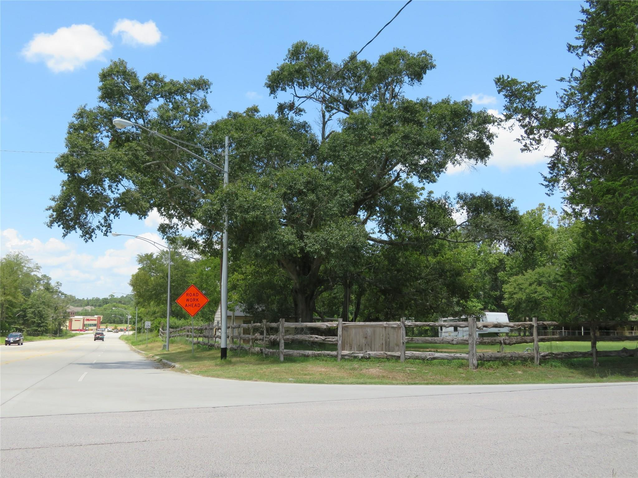 12219 Old Montgomery Road Property Photo - Willis, TX real estate listing