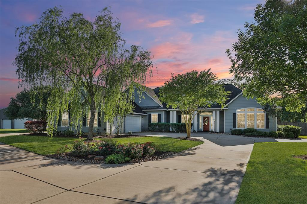 16519 Deer Haven Run Property Photo - Rosharon, TX real estate listing