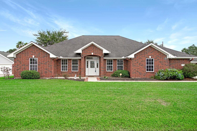 516 Meadowlark Drive Property Photo - Winnie, TX real estate listing