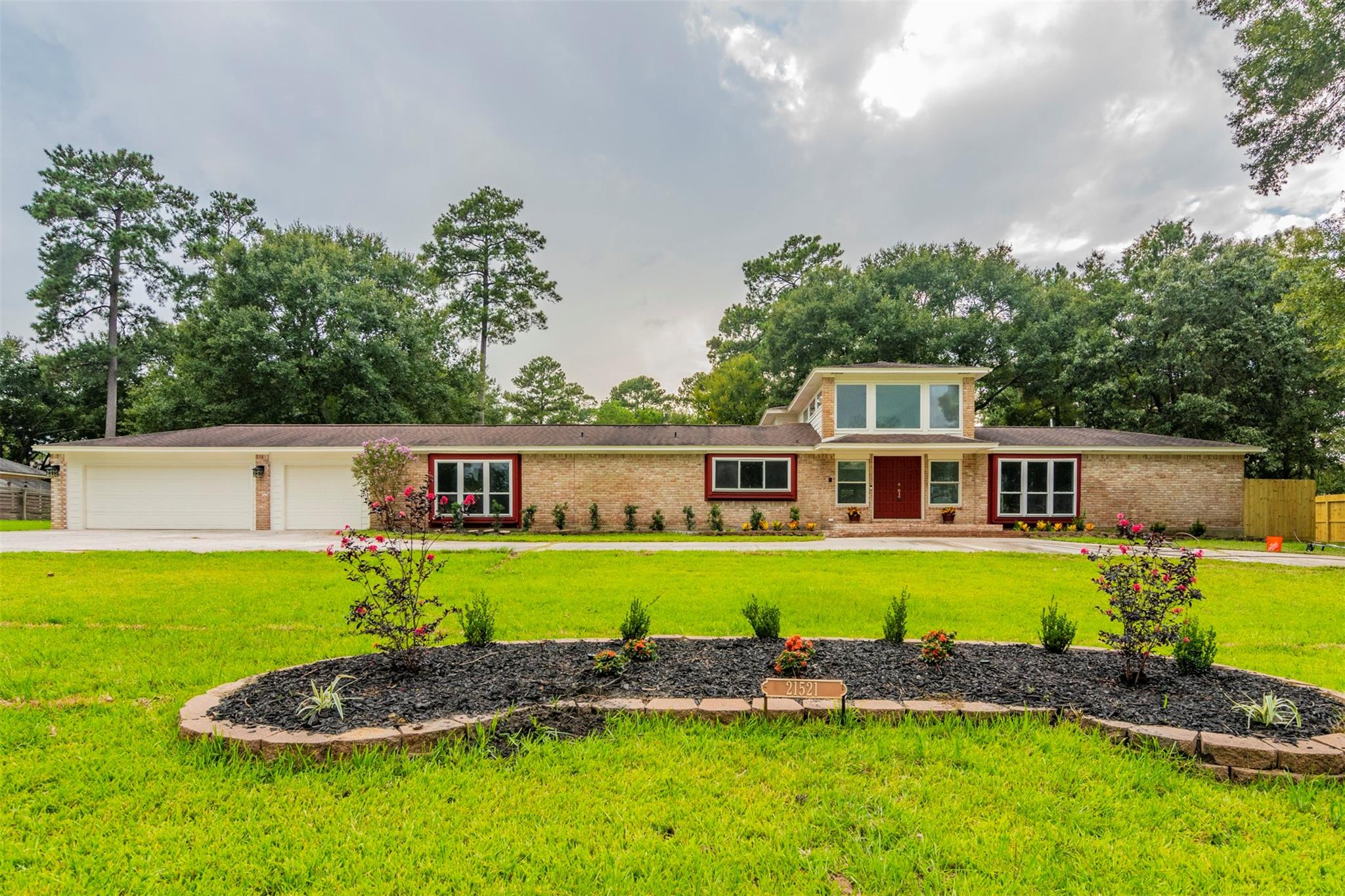 21521 Whispering Pines Property Photo - Humble, TX real estate listing