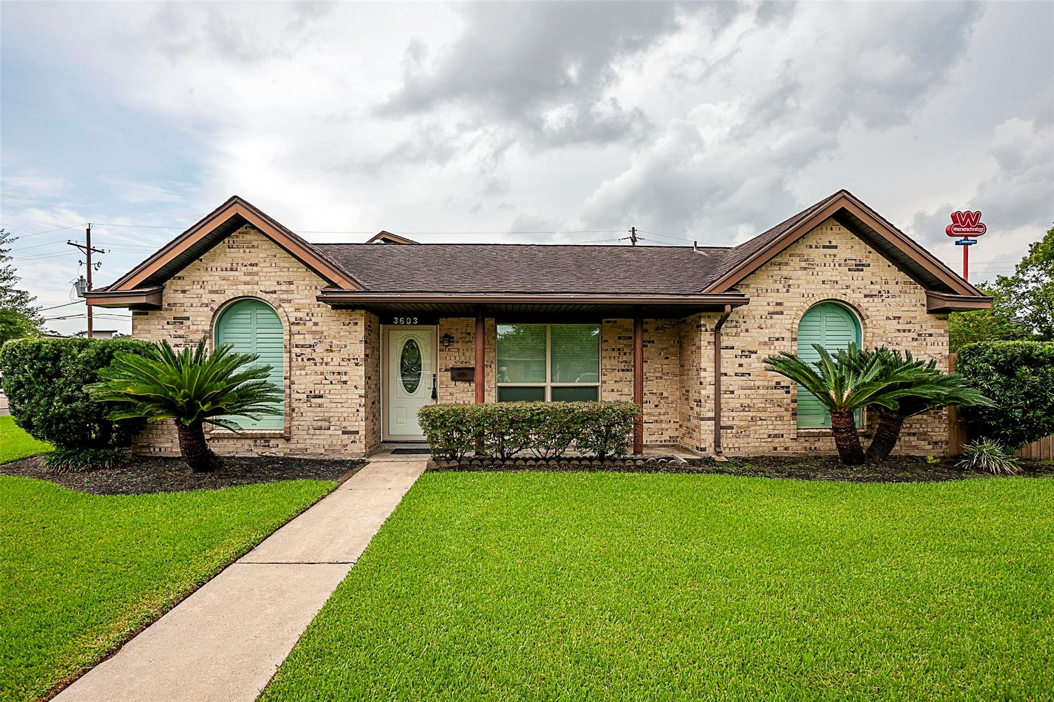 3603 Atlanta Avenue Property Photo - Nederland, TX real estate listing