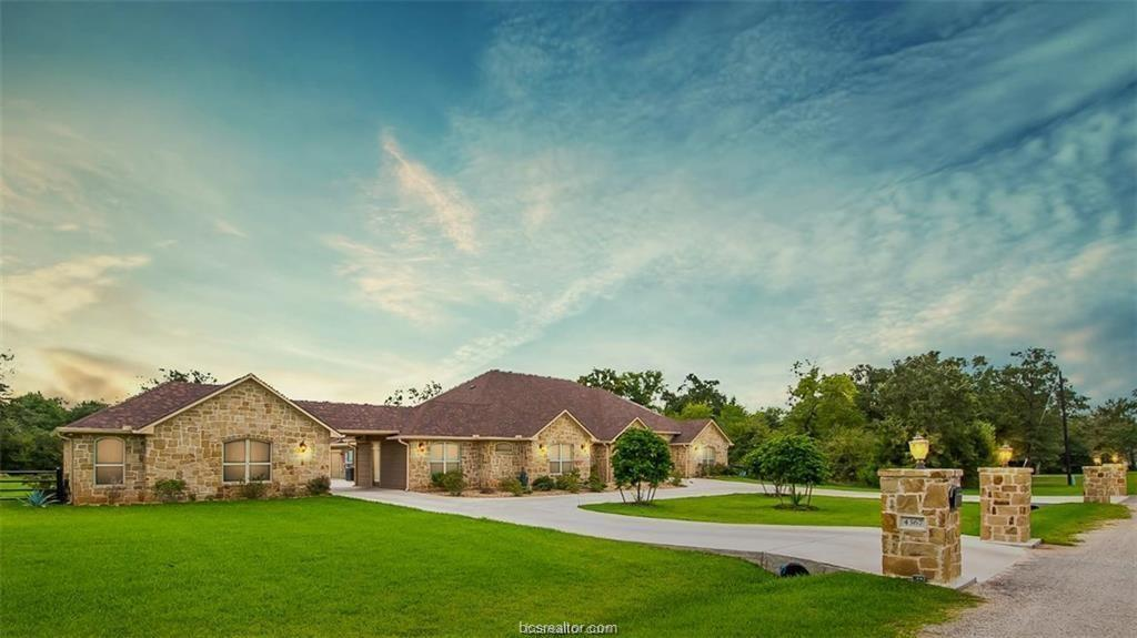 4367 Quiet Waters Lane Property Photo - North Zulch, TX real estate listing