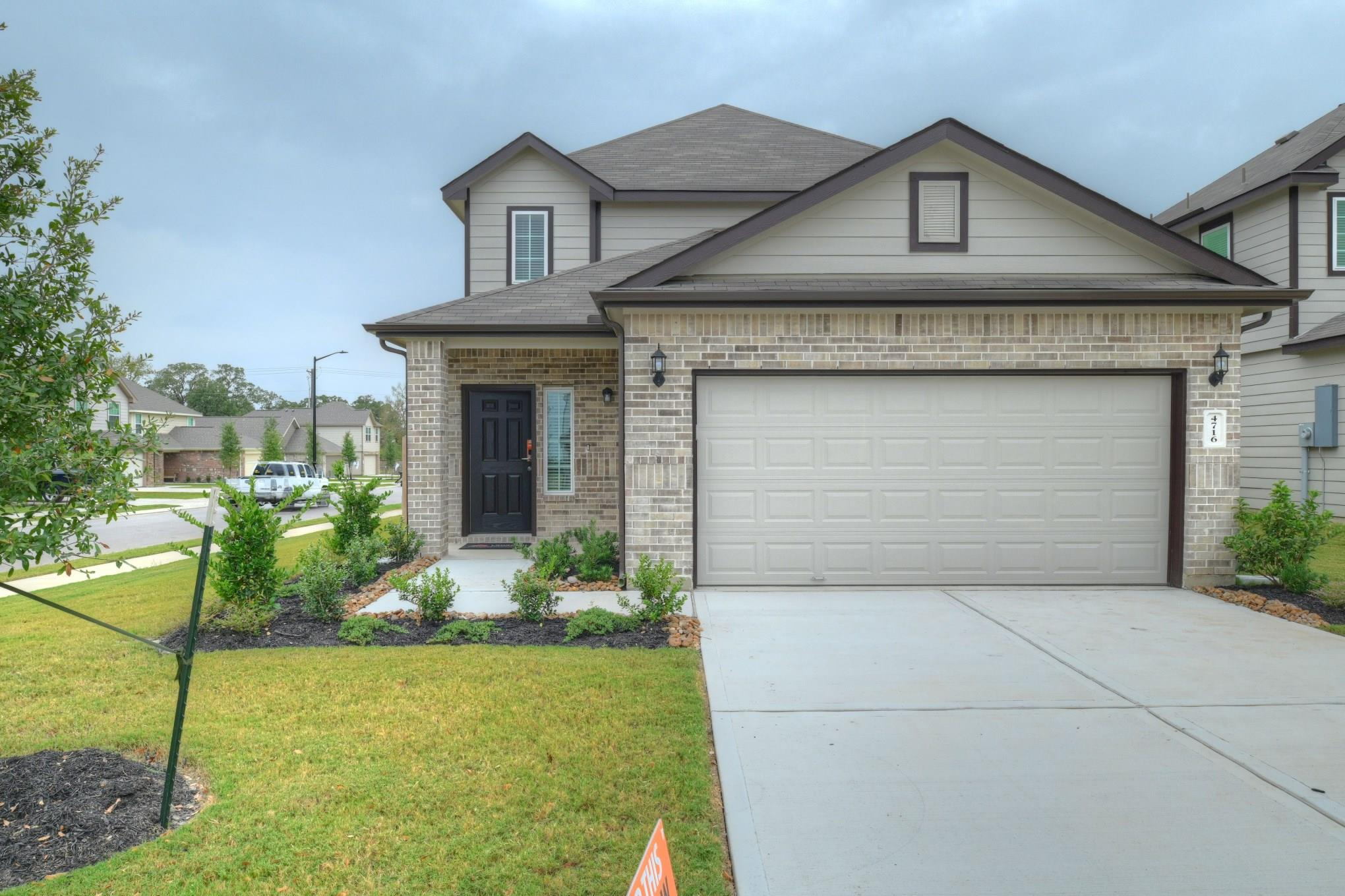 4716 Los Pines Way Property Photo - Bryan, TX real estate listing