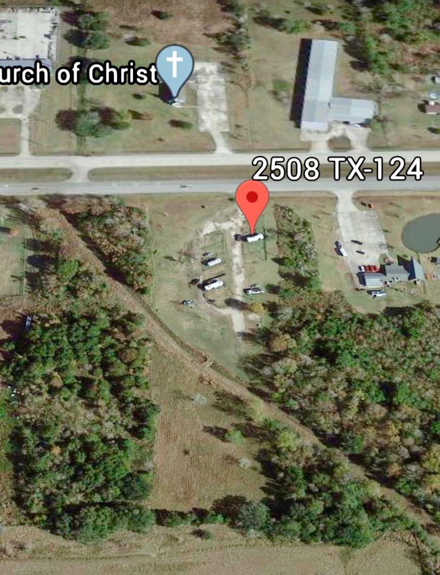 2508 Highway 124 Property Photo - Winnie, TX real estate listing