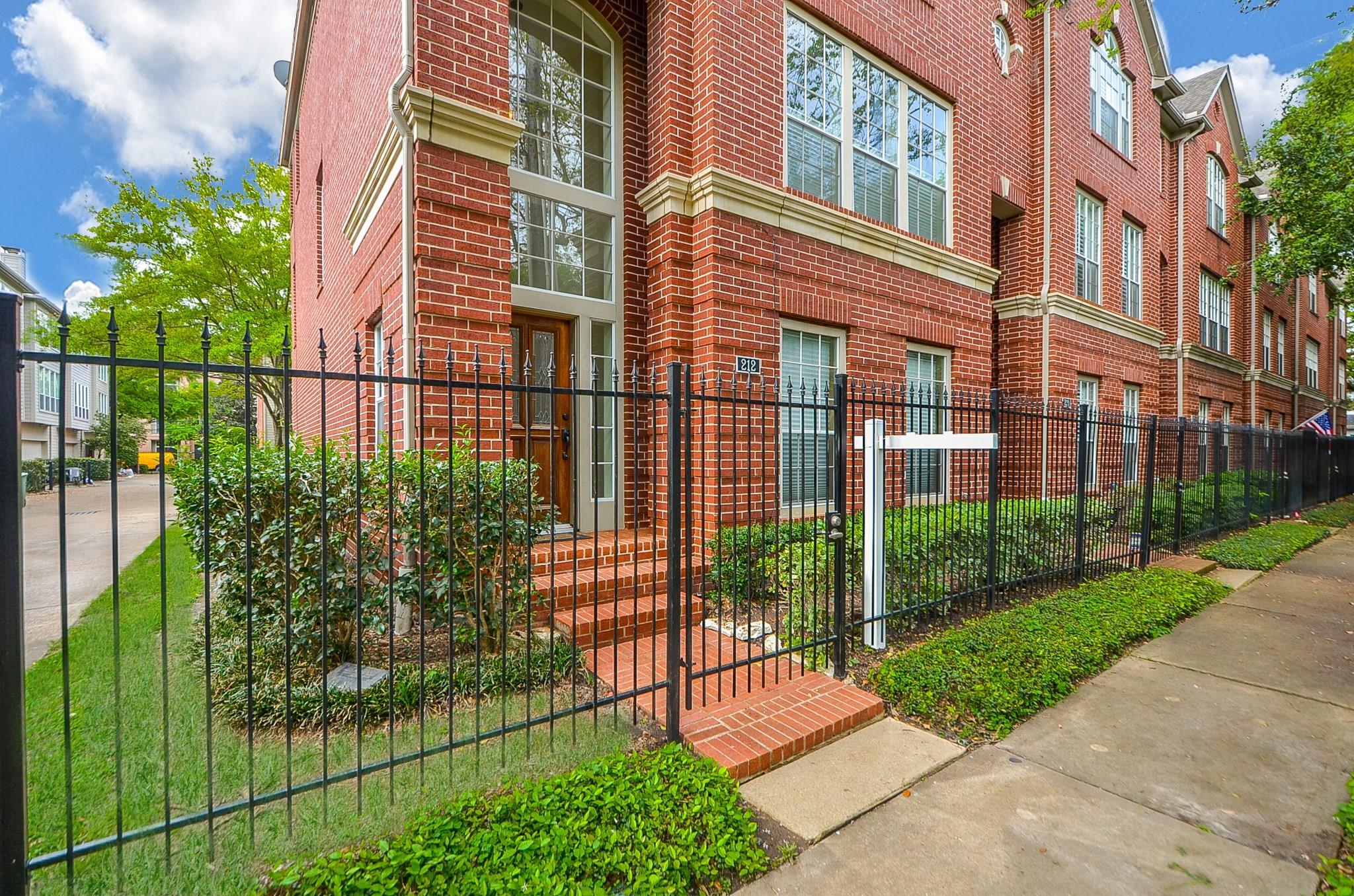 212 Bremond Property Photo 1