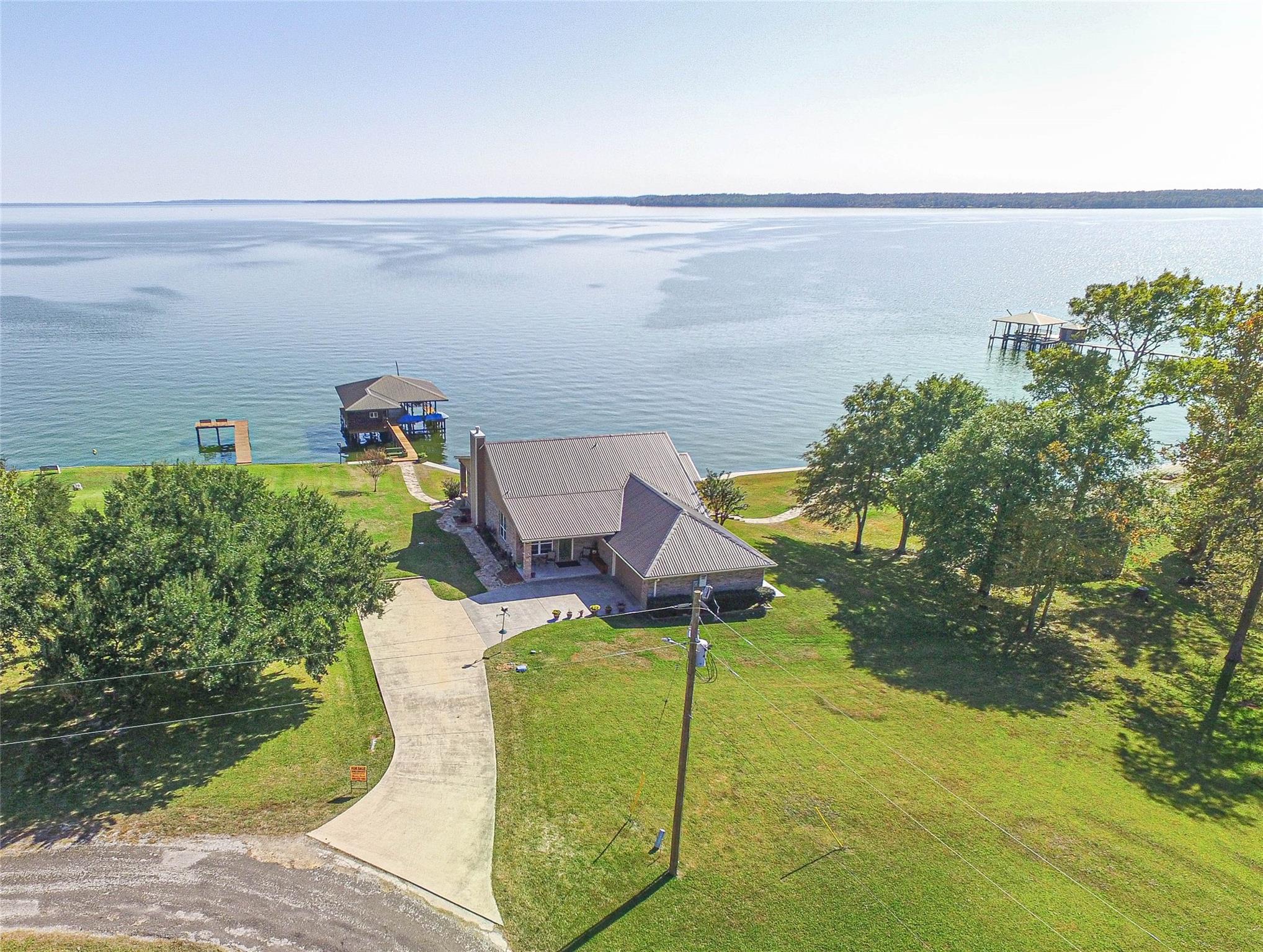 351 W Lake Circle Property Photo - Point Blank, TX real estate listing