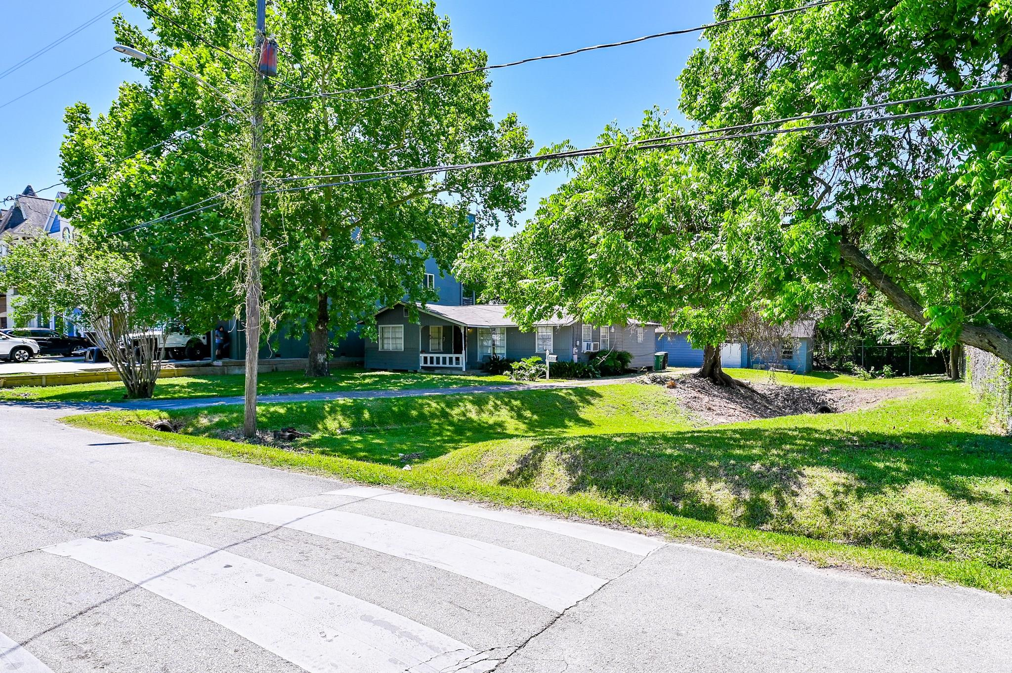 1610 W 21st Street Property Photo