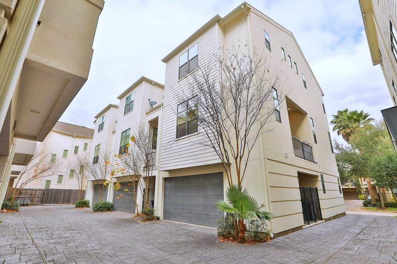 Afron Oaks Real Estate Listings Main Image