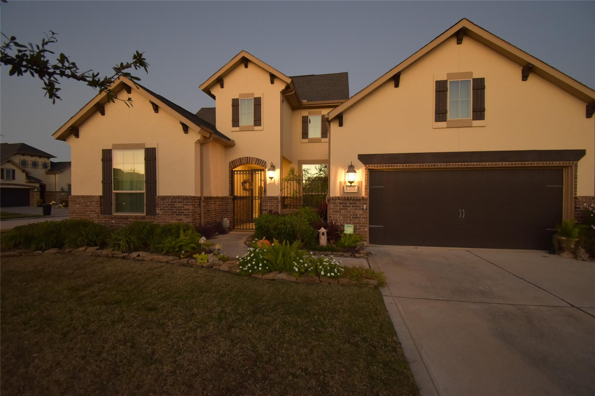13703 Banks View Court Property Photo