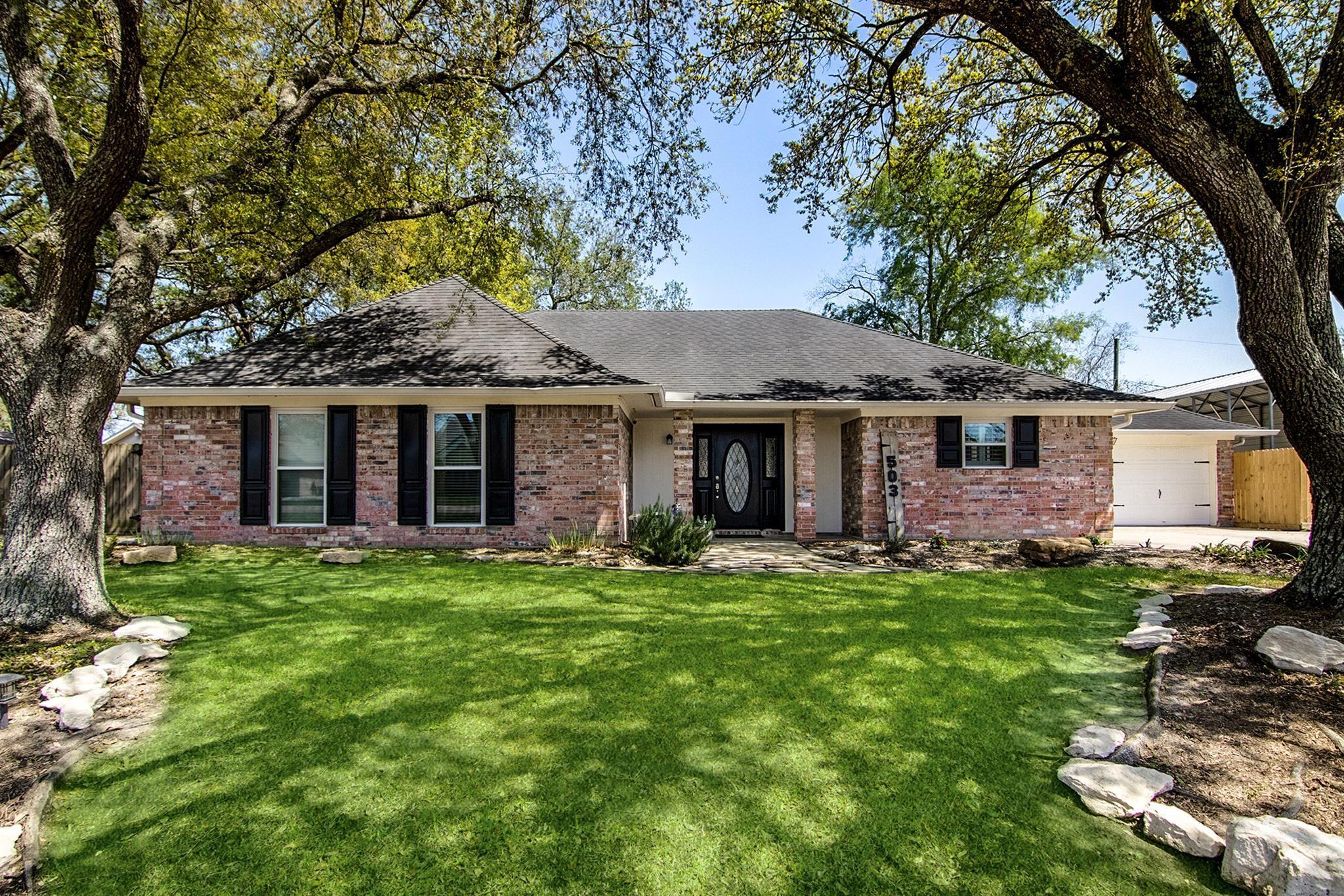 505 Cindyrella Drive Property Photo - Highlands, TX real estate listing