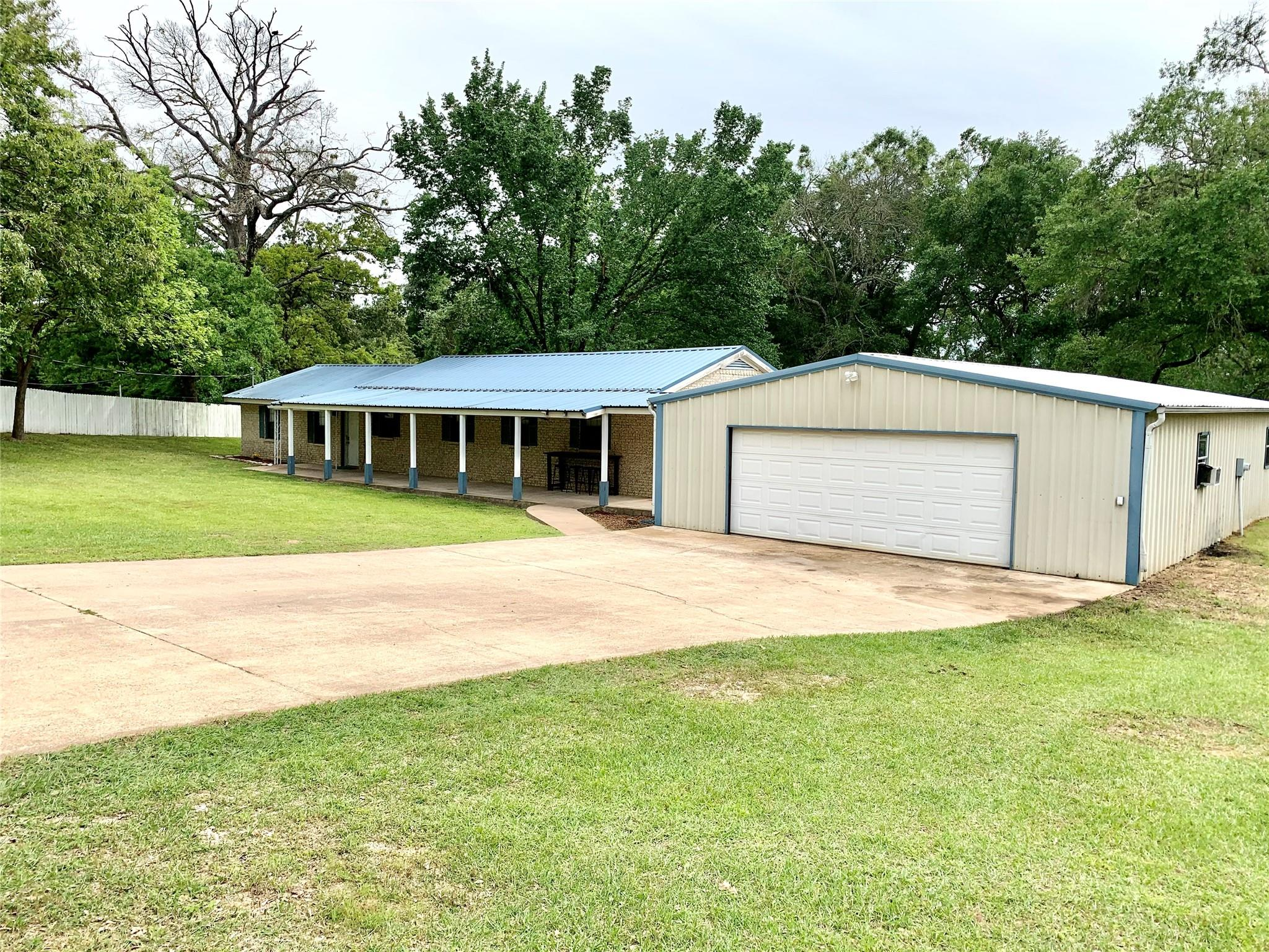 244 N Merrill Street Property Photo - Buffalo, TX real estate listing