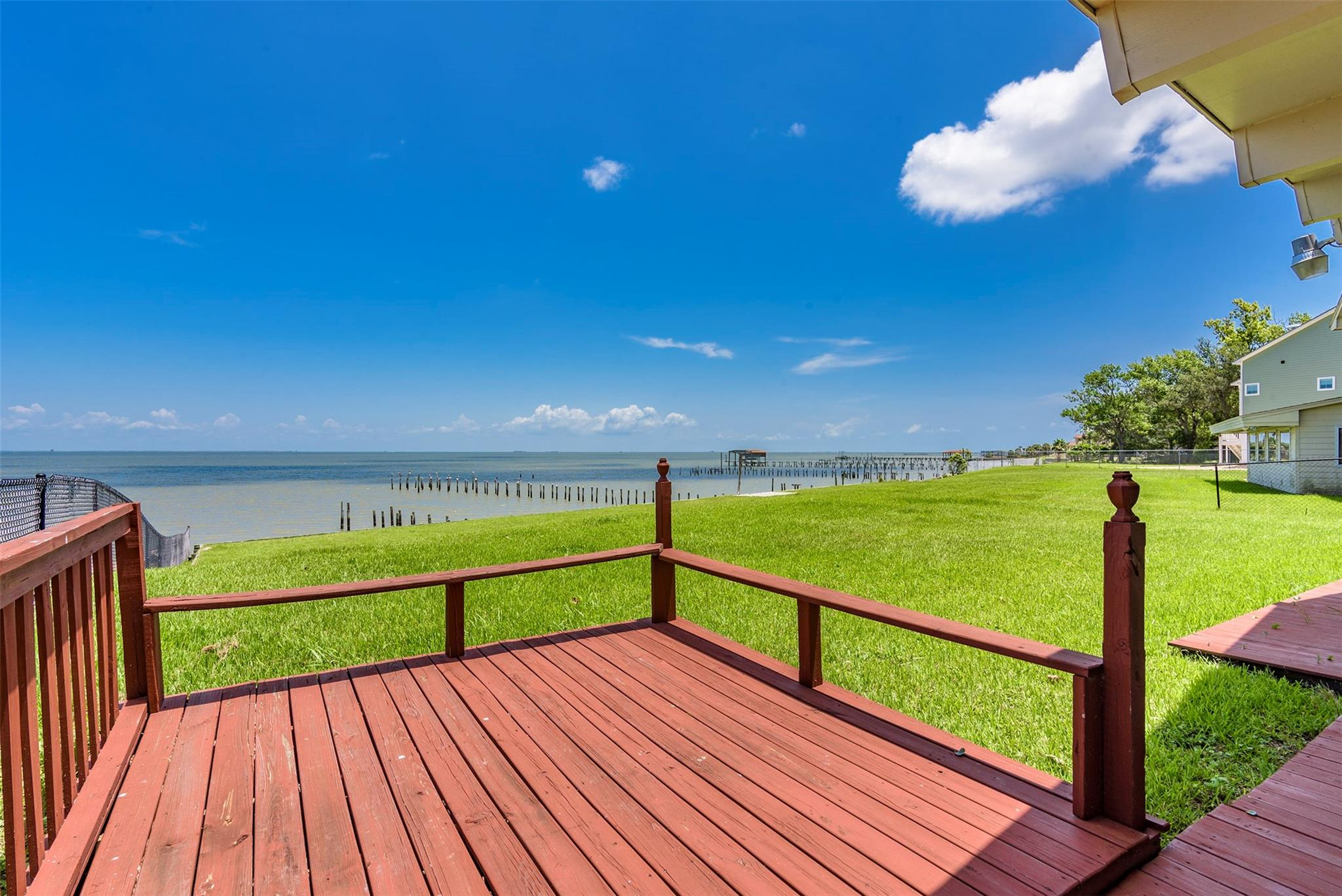 5039 W Bayshore Drive Property Photo - Bacliff, TX real estate listing